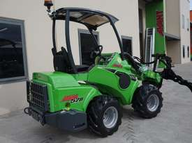 Avant 528 Mini Loader for Arborists - picture12' - Click to enlarge
