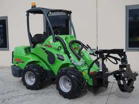 Avant 528 Mini Loader for Arborists - picture14' - Click to enlarge