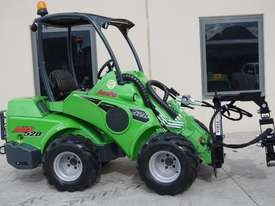 Avant 528 Mini Loader for Arborists - picture15' - Click to enlarge