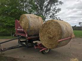 Round Bale Feed Out Wagon - picture0' - Click to enlarge