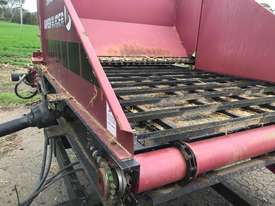 Round Bale Feed Out Wagon - picture2' - Click to enlarge