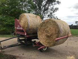 Round Bale Feed Out Wagon - picture4' - Click to enlarge