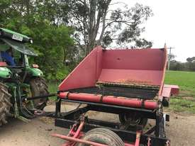Round Bale Feed Out Wagon - picture5' - Click to enlarge