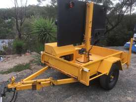 2009 TRAILER MOUNTED TRAFFIC ARROW DIRECTIONAL BOARD - picture4' - Click to enlarge