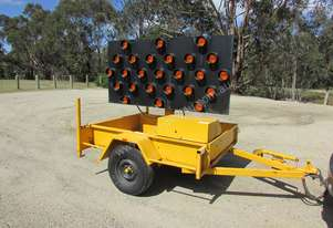 2009 TRAILER MOUNTED TRAFFIC ARROW DIRECTIONAL BOARD