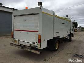 2012 Isuzu FRR600 MWB - picture7' - Click to enlarge