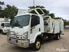 2012 Isuzu FRR600 MWB - picture2' - Click to enlarge