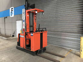 BT OME100M Stock Picker Forklift - picture1' - Click to enlarge