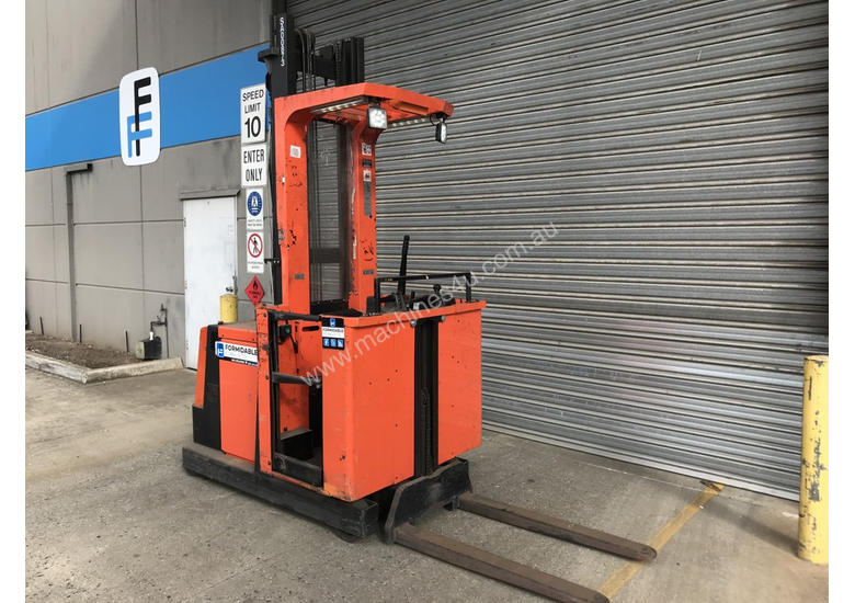 BT OME100M Stock Picker Forklift