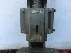 Accro 12ton Fly Press - picture1' - Click to enlarge