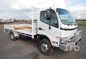 Hino   715 Table Top Truck