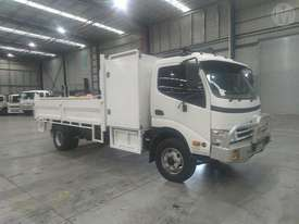 Hino Dutro 300 - picture0' - Click to enlarge
