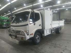 Hino Dutro 300 - picture1' - Click to enlarge