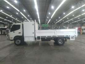 Hino Dutro 300 - picture2' - Click to enlarge