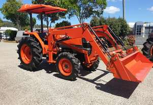 Kubota 45 Hp with new 4 in 1 loader attachment