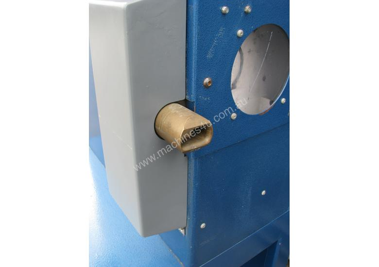 Computerised Programmable Extrusion Cutter - Johns SC60