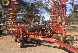 1998 Bourgault 8800 Air Drills