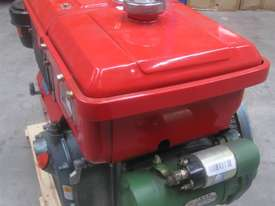 Diesel Engine 12 HP Electric Start - picture4' - Click to enlarge