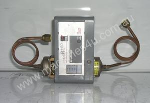 Johnson Controls P28AA-41 Pressure Switch.