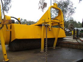 1800mm wide 3PL hydralic road broom , rear wheel , - picture1' - Click to enlarge
