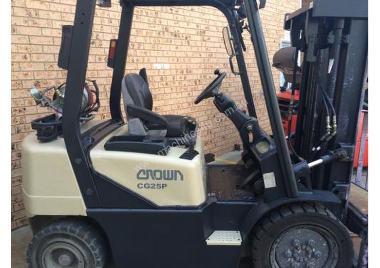 CROWN CG25P COUNTERBALANCE FORKLIFT