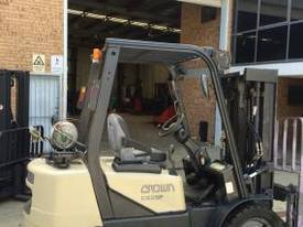 CROWN CG25P COUNTERBALANCE FORKLIFT - picture1' - Click to enlarge