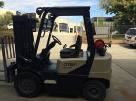 CROWN CG25P COUNTERBALANCE FORKLIFT - picture10' - Click to enlarge