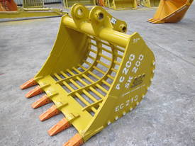 2017 SEC 20ton Sieve Bucket PC200 - picture3' - Click to enlarge