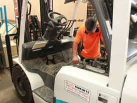Used Toyota 7FBE20 forklift - picture18' - Click to enlarge