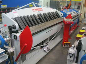 Metalmaster Hydraulic NC Panbrake 2500 x 2mm - picture14' - Click to enlarge