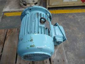 TECO 7.5HP 3 PHASE ELECTRIC MOTOR/ 1440RPM - picture1' - Click to enlarge