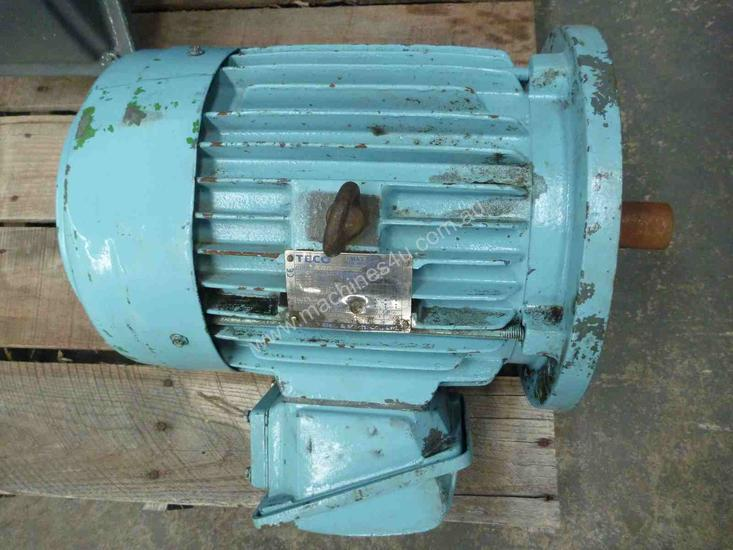 TECO 7.5HP 3 PHASE ELECTRIC MOTOR/ 1440RPM