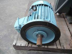 TECO 7.5HP 3 PHASE ELECTRIC MOTOR/ 1440RPM - picture2' - Click to enlarge