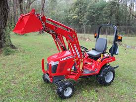 Massey 23Hp tractor with fel