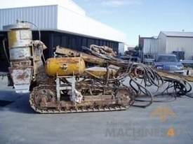 INGERSOLL RAND ECM350 AIR TRACK DRILL RIG