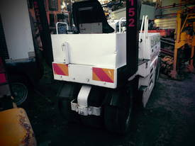 3ton mini multi tyred roller ,  - picture0' - Click to enlarge