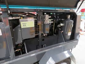 AIRMAN PDS185S-6C2-T 185cfm Trailer mounted Portable Diesel Air Compressor - picture8' - Click to enlarge