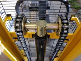 Pallet Jack Lifter Hydralic stacker forklift truck - picture2' - Click to enlarge