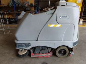 Nilfisk BR1100S Scrubber - picture0' - Click to enlarge