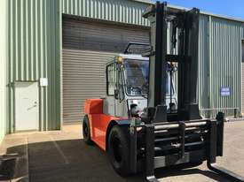 Used Forklift Diesel 10 ton - 40 hours only - picture0' - Click to enlarge