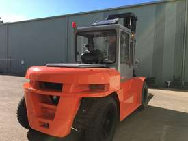 Used Forklift Diesel 10 ton - 40 hours only - picture3' - Click to enlarge