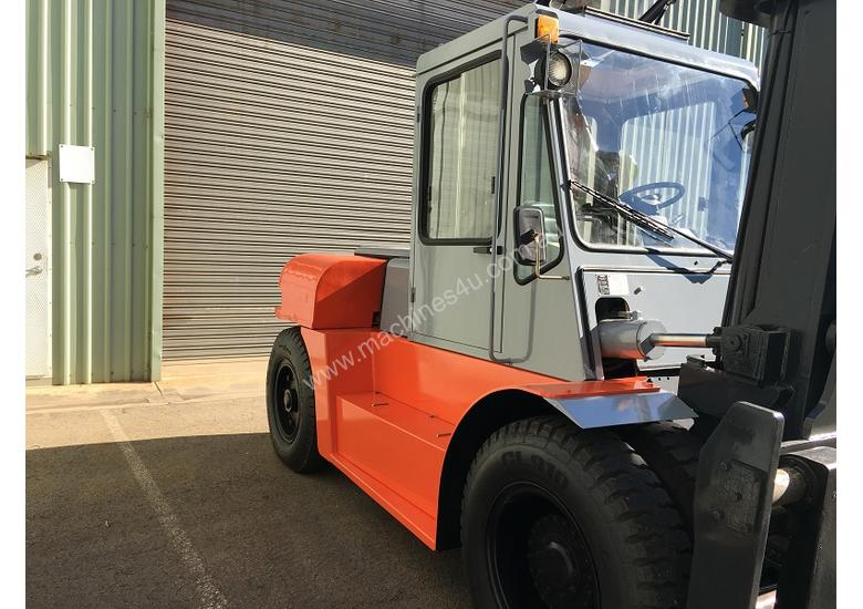 Used Forklift Diesel 10 ton - 40 hours only