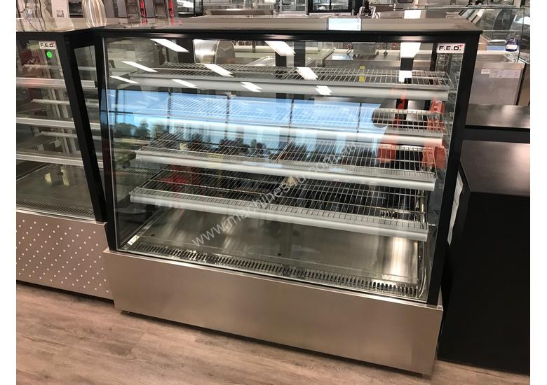 Commercial Cake Display / Cold Display / Food Display  EX SHOW ROOM PRICED TO CLEAR