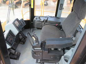 2013 CATERPILLAR 988H WHEEL LOADER - picture14' - Click to enlarge