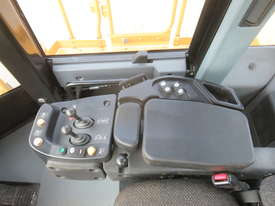 2013 CATERPILLAR 988H WHEEL LOADER - picture16' - Click to enlarge