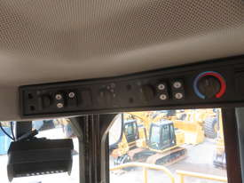 2013 CATERPILLAR 988H WHEEL LOADER - picture17' - Click to enlarge