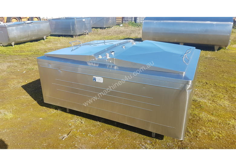 STAINLESS STEEL TANK, MILK VAT 1200 LT
