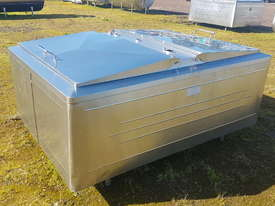 STAINLESS STEEL TANK, MILK VAT 1200 LT - picture3' - Click to enlarge