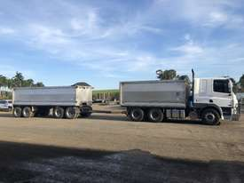 1 only 2007 Daf CF85 Tipper and 1 only 2007 Tefco Quad Dog Tipper - picture0' - Click to enlarge