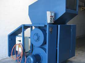 Industrial Heavy Duty Plastic Granulator with Blower 37kW - picture2' - Click to enlarge